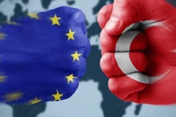 Avropa Birliyi Türkiyəni HƏDƏLƏDİ